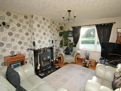 Property image of home to buy in Towyn Court, Nottingham